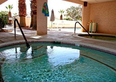 Desert Oasis Mobile Home & RV Resort pool